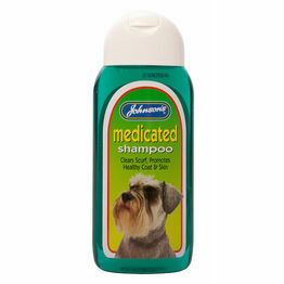Johnsons Medicated Shampoo 200ml G012