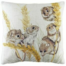 Cushion Woodland Fieldmice DPA338
