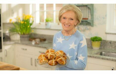 Mary Berry\'s Hot Cross Buns